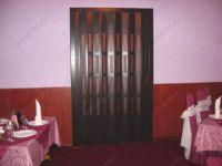 фото двери гармошка с витражами