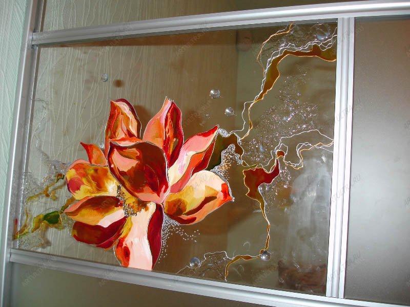 фото витражный рисунок на мебель