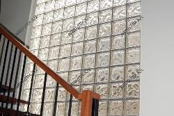 Вид изнутри помещения с внешними стеклоблочными перегородками2