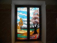 фото окно с витражом