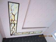 фото витраж с японской сакурой на потолке