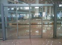 фото раздвижные вдойные автоматические межкомнатные двери