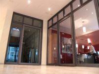 фото прозрачные двойные двери с притвором