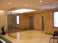 фото прозрачные двойные цельностеклянные двери