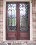 фото деревянные двери со стеклом для частного дома