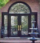 фото деревянные двухпальные входные двери со стеклом