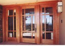 фото деревянные мультиофсадные распашные двери со стеклом