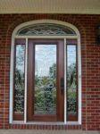фото деревянные одностворчатые входные двери со стеклом