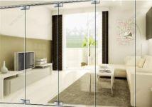 фото распашные зеркальные двери с металлическим креплением