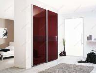 фото раздвижные тонированные бардовым зеркальные двери с вставкой