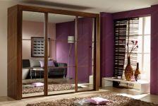 фото тройные зеркальные двери с разделением каждой двери на 3 элемента