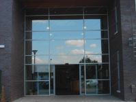 фото автоматические раздвижные двери фабрики кондитерских изделий