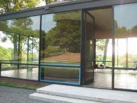 фото одностворчатые стеклянные двери на частной вилле