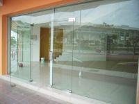 фото входные группы из стекла главного корпуса спорткомплекса