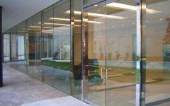 фото входные маятниковые группы из стекла эколого-биологического центра