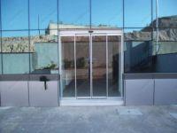 фото автоматические стеклянные двери в поликлинику