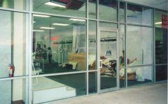 фото маятниковая входная группа магазина