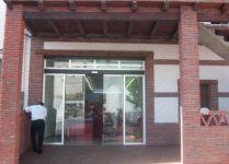 фото стеклянная входная группа магазина