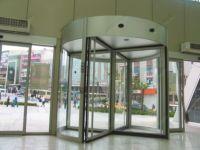 фото алюминиевая входная группа торгового центра