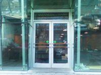 фото двухпольная входная группа торгового центра