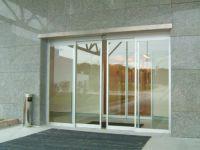 фото автоматические алюминиевые раздвижные стеклянные двери