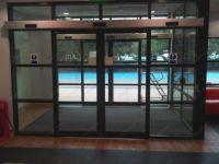 фото автоматические раздвижные комбинированые стеклянные двери