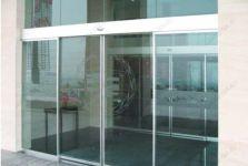 фото автоматические раздвижные стеклянные двери из алюминиевого профиля