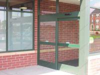 фото автоматические раздвижные стеклянные двери одностворчатые
