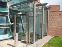 фото автоматические раздвижные стеклянные маятниковые двери