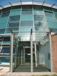 фото автоматические раздвижные стеклянные одностворчатые двери