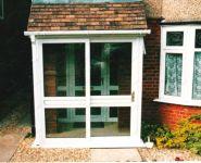 фото теплые раздвижные двери со стеклом
