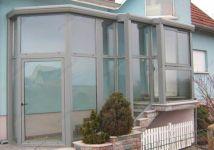 фото стеклянный тамбур для загородного дома