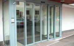 фото автоматические офисные двери