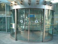 фото автоматические полукруглые двери для торгового центра