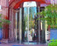 фото автоматические полукруглые двери в отель