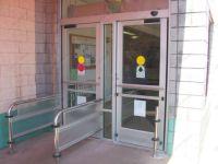 фото автоматические распашные двери управления социальной защиты населения