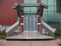 фото автоматические раздвижные двери бизнес центра