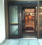 фото автоматические телескопические двери фитнес клуба