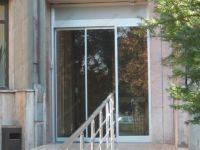 фото автоматические телескопические двери салона красоты