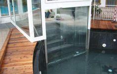 фото автоматические телескопические двери в здании будущего книжного магазина
