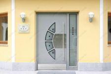 фото металлические двери элитные одностворчатые в караоке -бар