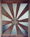 фото элитные цветные стеклянные двери караоке-бара