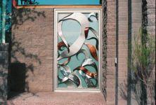 фото элитные входные комбинированные двери загородного ресторана