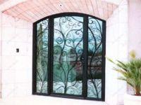 фото элитные входные кованые двери в цветочную аранжарею