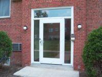 фото входная дверь в жилой дом с сюрпризом