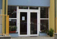 фото металопластиковые входные двери для магазина