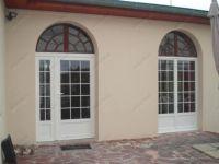 фото входные однопольные двери со стеклом