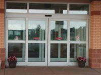 фото алюминевые раздвижные входные двери