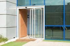 фото алюминевые телескопические входные двери