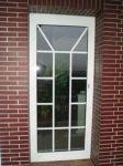 фото алюминевые распашные двери для дома